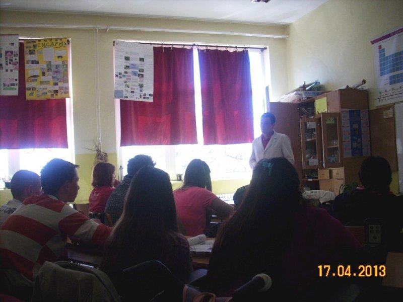 Студенти ПМФ са нашим ученицима 2