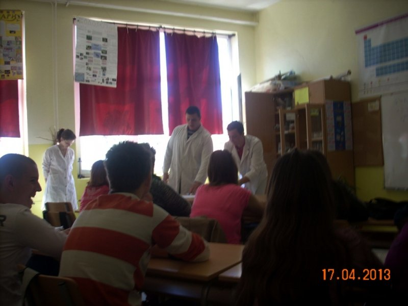 Студенти ПМФ са нашим ученицима 5