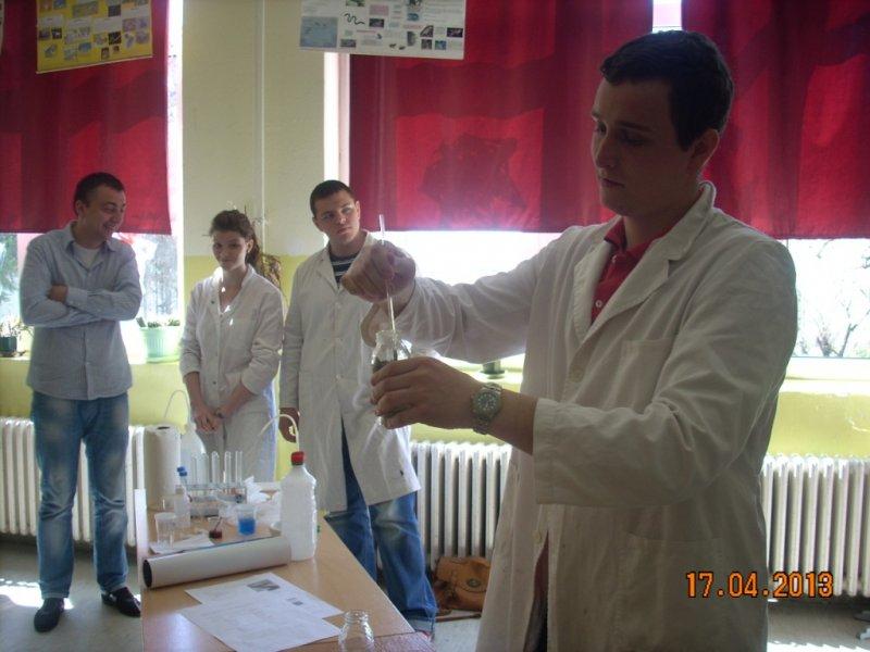 Студенти ПМФ са нашим ученицима 6