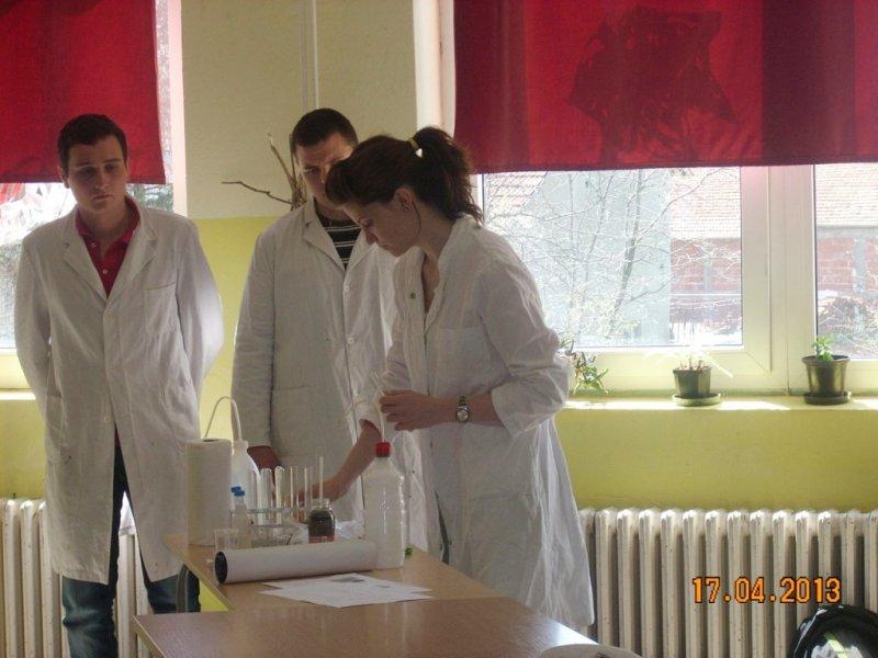 Студенти ПМФ са нашим ученицима 8